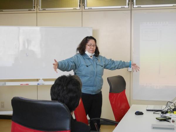 3分間スピーチは、高校生だけでなく、鈴木取締役以下、弊社社員も実施しました。画像の上田は、箱根駅伝に応援団員として参加した時の感動的なエピソードを話してくれました。