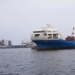 特徴的な形をした井本商運の「なとり」。昨年、京浜/阪神/門司/博多航路に就航しました。