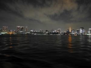 芝浦ふ頭。左手には東京タワーも見えます。