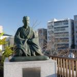 松尾芭蕉像。