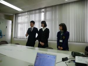 物流シミュレーションゲームには、新入社員の佐久間と松木も参加しました。