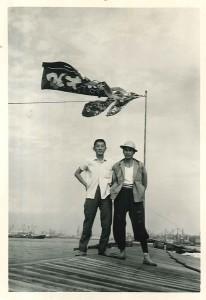 昭和40年頃、弊社はしけの船長。