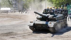 戦車にも乗ることができます。