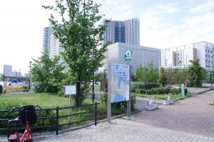 豊洲駅と新豊洲駅の中間地点からアプローチ、時計回りに周囲を巡ることをおすすめします。