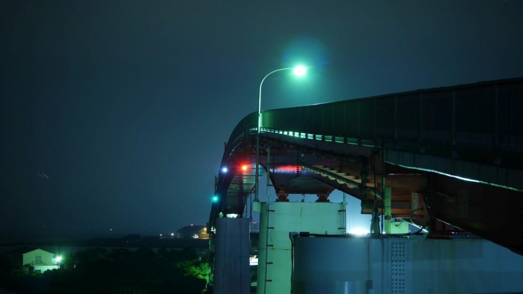木更津にある、中の島大橋です。この橋から、夜は川崎方面の夜景を見ることができます。